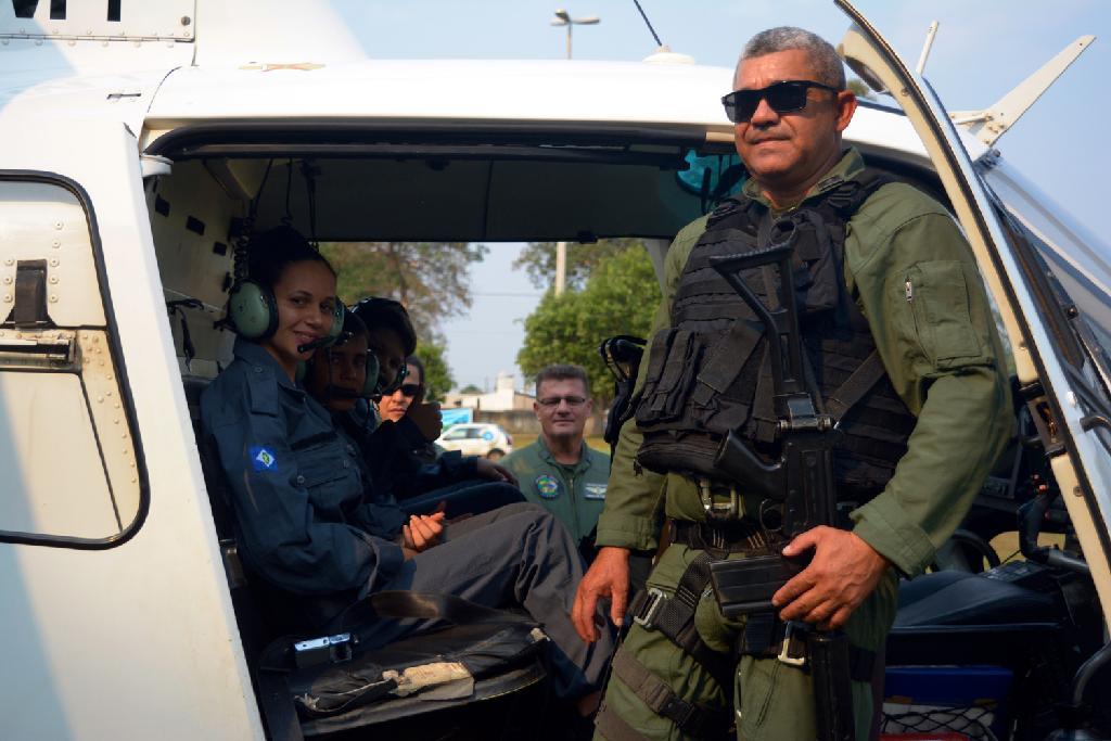 Experiência de viver dia de policial e voar com Ciopaer encantam adolescentes