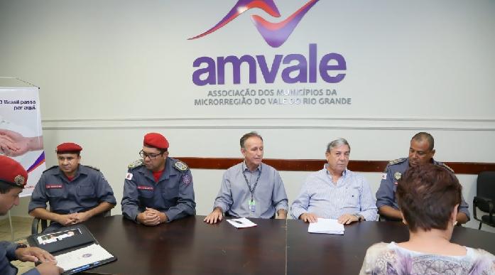 Reunião realizada na sede da Amvale, em Uberaba.