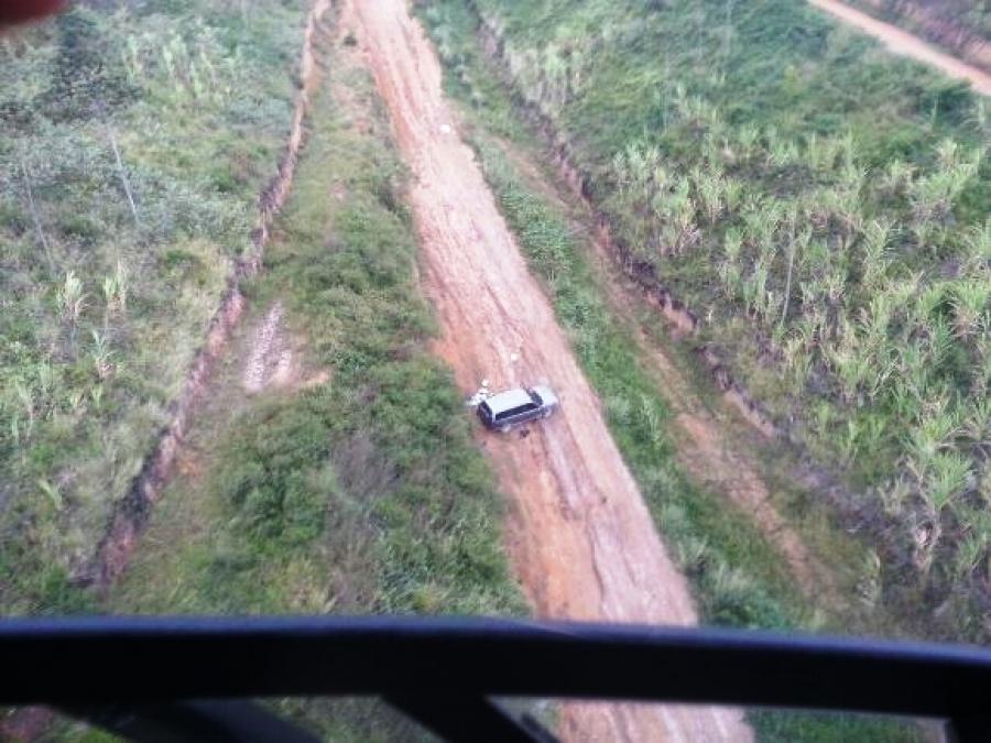 Veículo foi abandonado em um canavial nas proximidades da Barra de São Miguel.