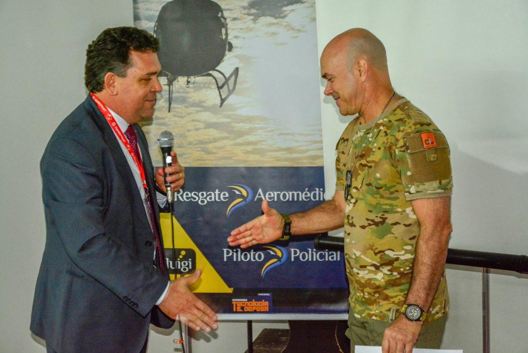Cel RR PMESP Eduardo Alexandre Beni a esquerda e o Cel Leite.