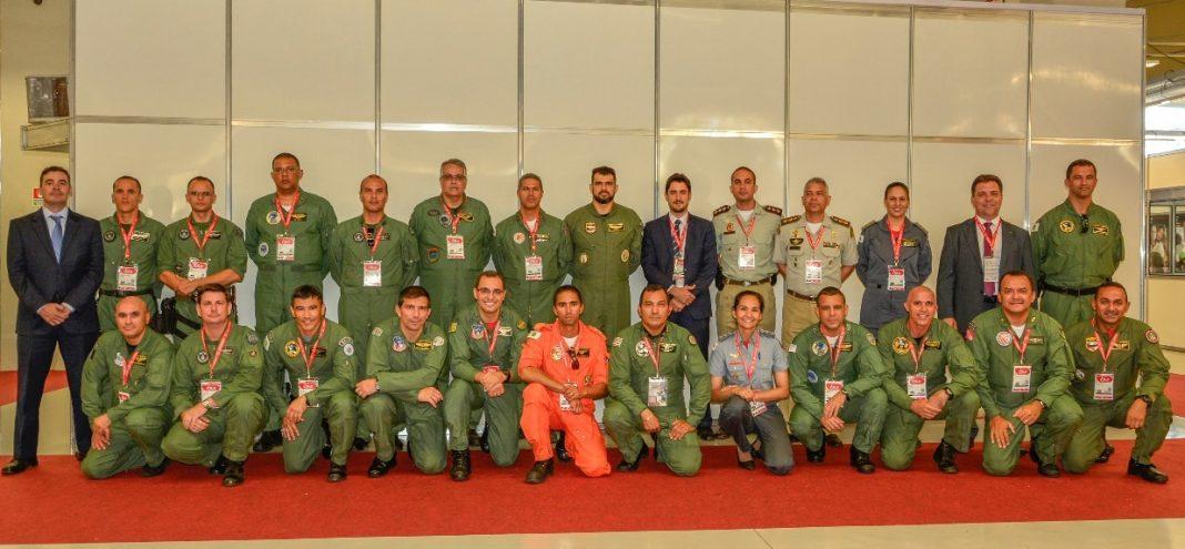 Comandantes e Diretores das Organizações Aéreas de Segurança Pública durante o ENAVSEG.