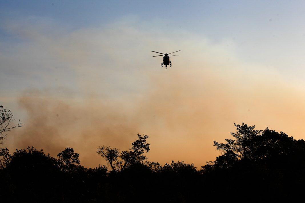 Helicóptero EC135 do Corpo de Bombeiros nas ações de prevenção. Goto: Gilberto Soares.