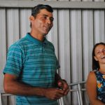Valdir e a esposa relataram como foi a produção do 'Fuscóptero' (Foto: Stephanie Fonseca/G1)