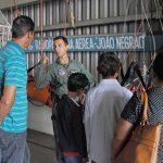 Família de Mirante do Paranapanema visitou a base e conheceu o Águia de pertinho (Foto: Stephanie Fonseca/G1)