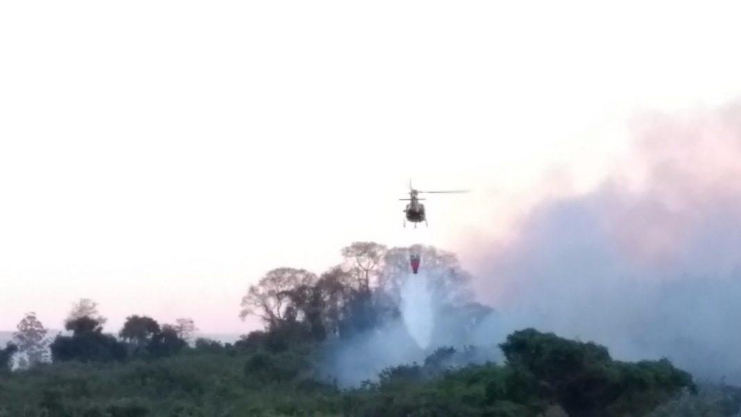 Águia 05 apoia Corpo de Bombeiros no combate a incêndio florestal na região de Campinas