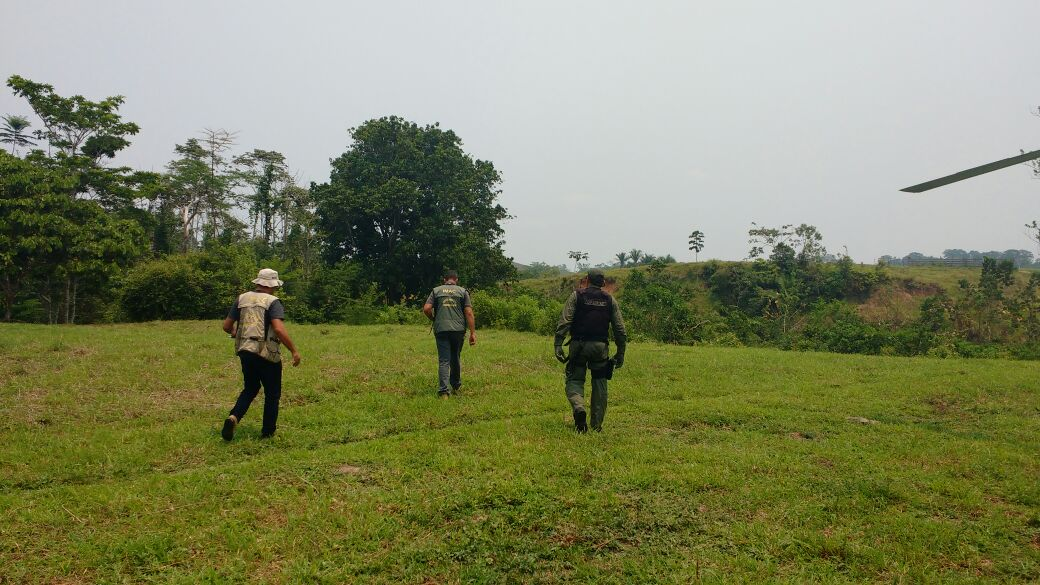 Pelo menos cinco proprietários de áreas de terra foram autuados (Foto: Cedida Ciopaer)
