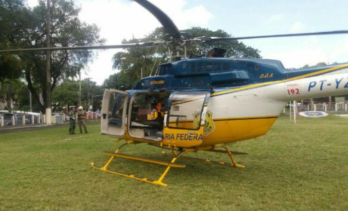Helicóptero da PRF no campo do Derby Foto: Divulgação/ PRF