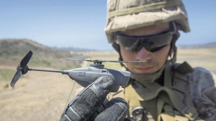O Black Hornet 3 apresentará um veículo aéreo maior do que os sistemas em serviço (foto). Fonte: US Marine Corps