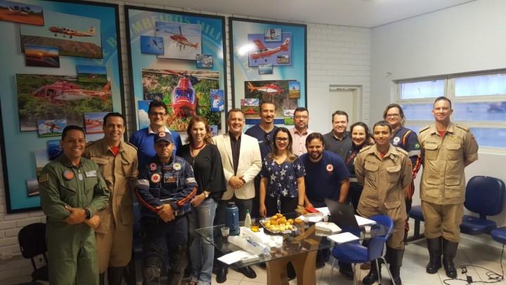 Corpo de Bombeiros de Goiás, Secretaria da Saúde e SAMU discutem melhorias no serviço aeromédico