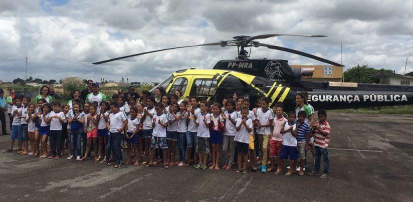 Cerca de 210 crianças participaram de oficinas e conheceram trabalho das equipes