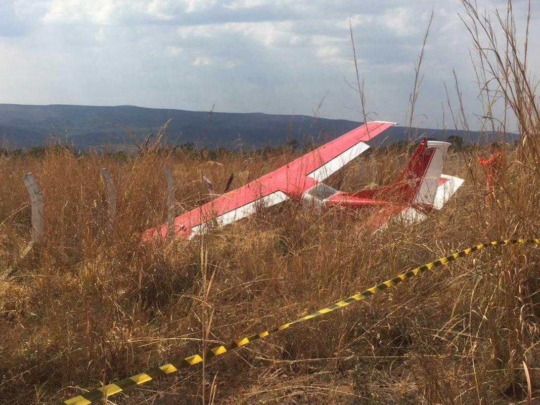Avião do Corpo de Bombeiros do DF sai da pista após o pouso e não há feridos