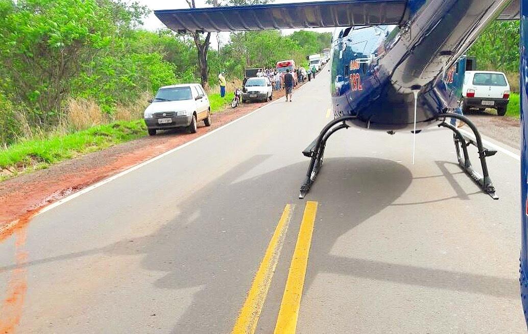 """Helicóptero """"Saúde 03"""" resgata vítima de acidente na PR-492"""