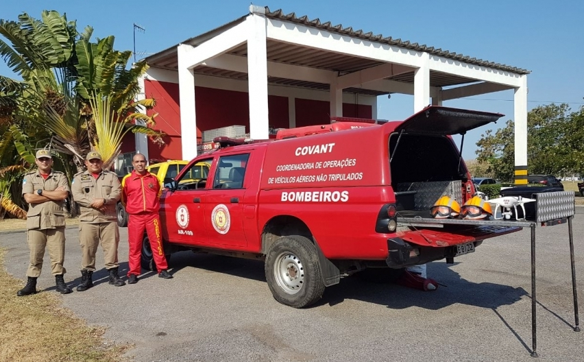 Oficial do Corpo de Bombeiros do Ceará visita a sede da Coordenadoria Operacional de VANT