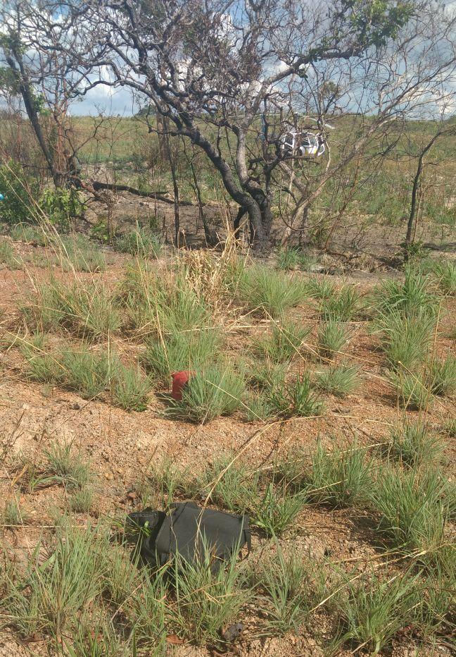 Polícia Civil e Ciopaer recuperam pertences de vítima feita refém durante roubo de caminhão