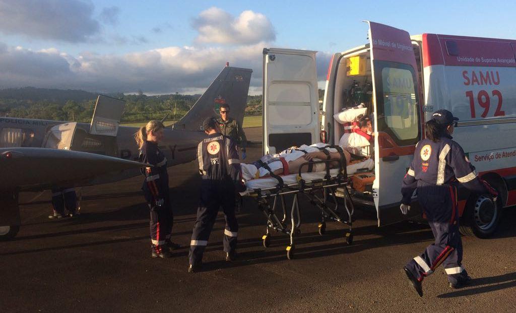 Operação integrada viabiliza transporte aeromédico de paciente grave de Criciúma para Ituporanga. Foto: BAPM/SC.