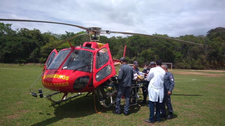 Batalhão de Operações Aéreas do Bombeiro de Minas resgata vítima de queda de bicicleta