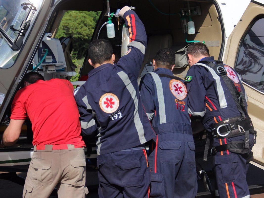 Helicóptero Saúde 03 do SAMU resgata vítima de acidente na PR-82