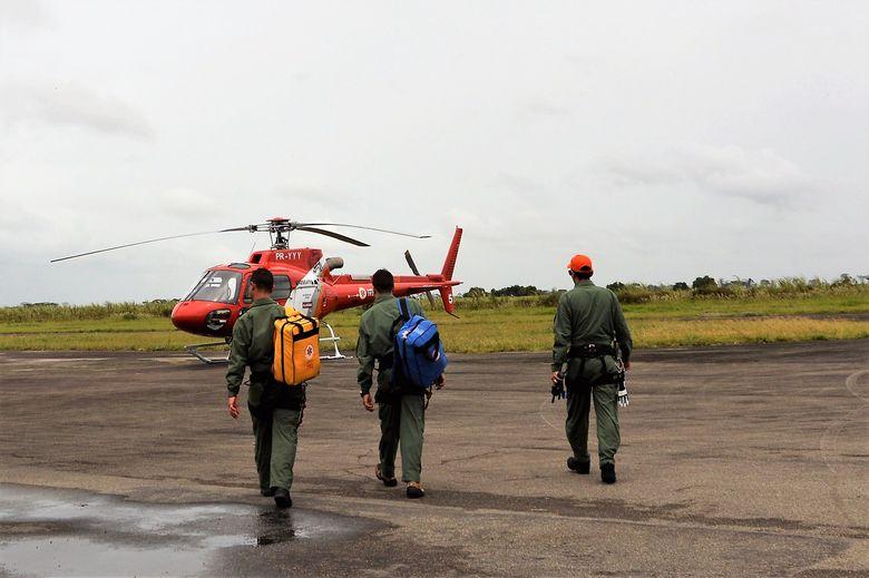 Estudo mostra a importância da interação entre os profissionais do Serviço Aeromédico do Samu para a tomada de decisões (Foto: Carla Cleto)