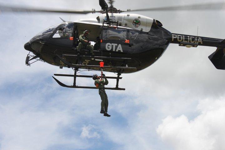 Treinamento realizado durante o 10º Curso de Operações Aéreas. Foto: Cb PM Paulo ASCOM SSP.