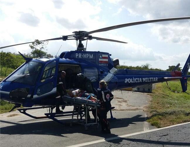 Grupamento Aéreo da PM resgata vítimas de acidente na BR-324