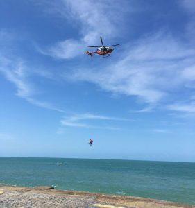 Homem foi resgatado após chamado à Coordenadoria Integrada de Operações de Segurança (Ciops). ( Foto: Reprodução )