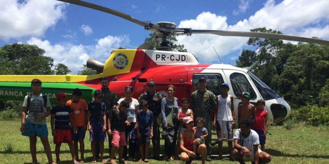 Helicóptero Harpia 01 apoia missão humanitária na comunidade Céu do Mapiá.