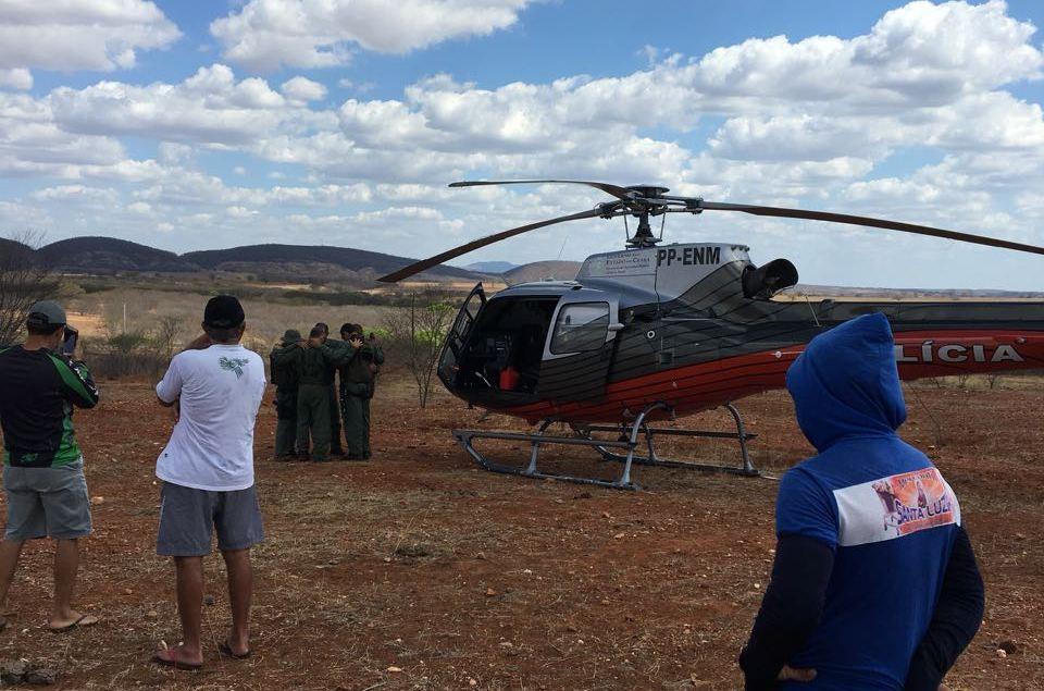 Helicóptero da Ciopaer colide com fio em perseguição policial e pousa com segurança na zona rural de Orós
