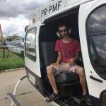 Espírito de Natal contagia policiais militares e Ricardo Bueno conhece o helicóptero da PM do Distrito Federal