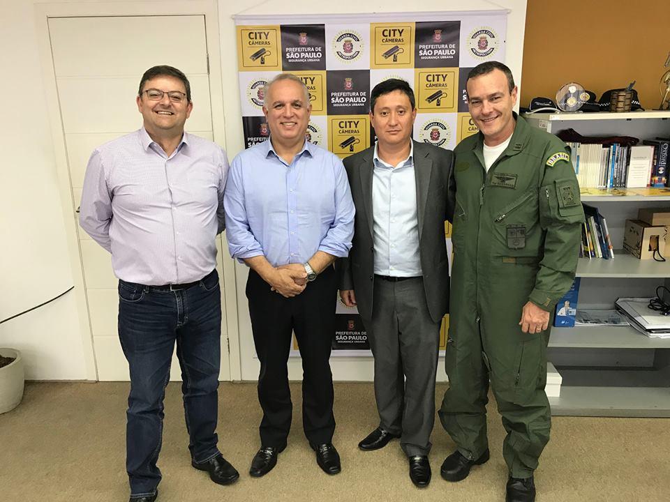 Cel PM Peixoto, Cel PM José Roberto, Kodama e Ten Cel Av Vargas. Foto: ABM.