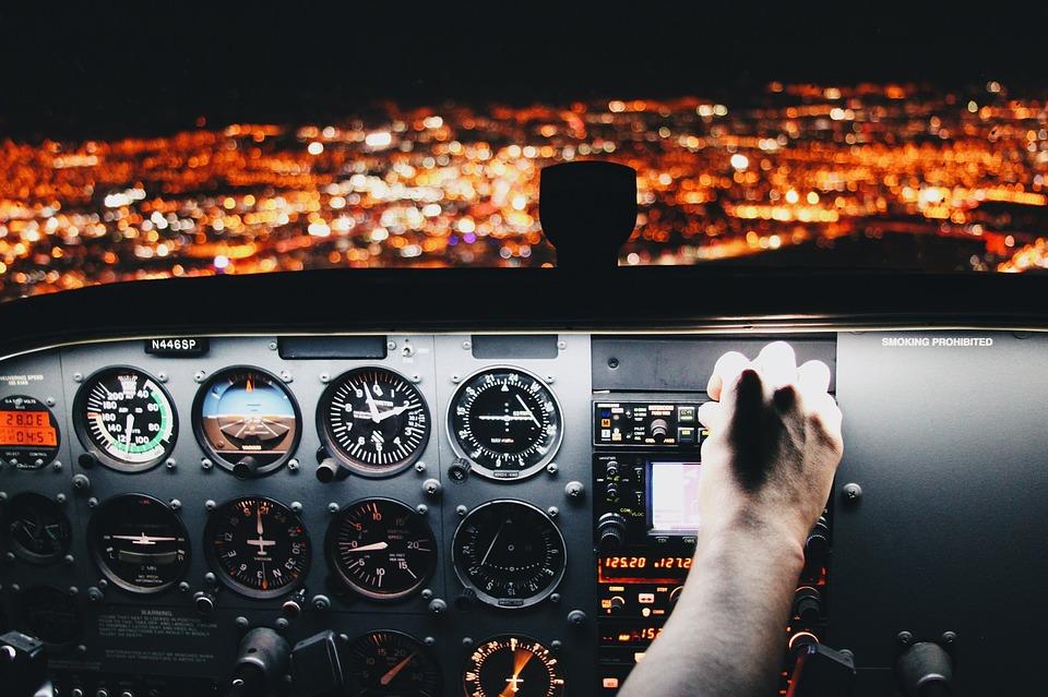 airplane-2566205_960_720