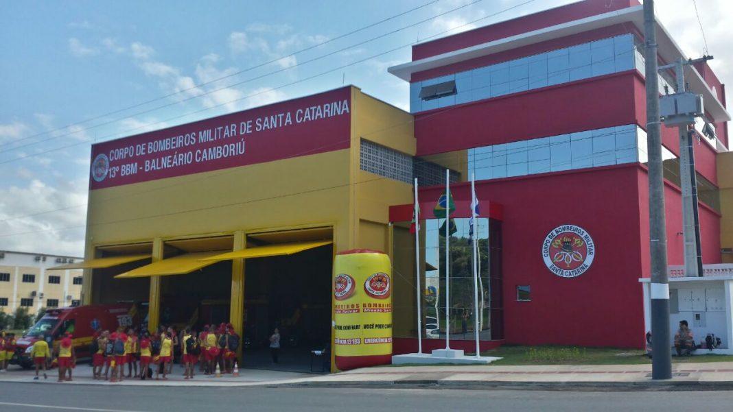 Novo Batalhão do Corpo de Bombeiros de Balneário Camboriú possui heliponto elevado. Foto: BOA/CBMSC.