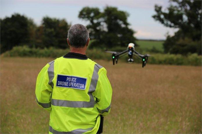 Devon e Cornwall e a Dorset Police anunciaram que são as primeiras forças policiais no Reino Unido a lançar uma unidade de drone totalmente operacional.