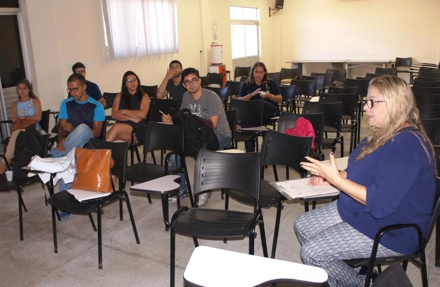Alunos do 5º ano aprendem mais sobre o funcionamento do serviço de urgência e emergência móvel no Estado (Foto: João Victor Barroso)