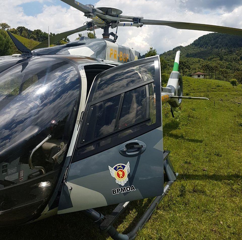 Helicóptero Falcão 04 resgata homem ferido na trilha do Pico Paraná