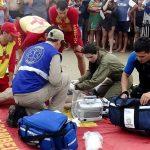 Batalhão de Operações Aéreas e Bombeiros realizam resgate de banhistas em Matinhos. Foto:  Soldado Vânia Soldi/PM5
