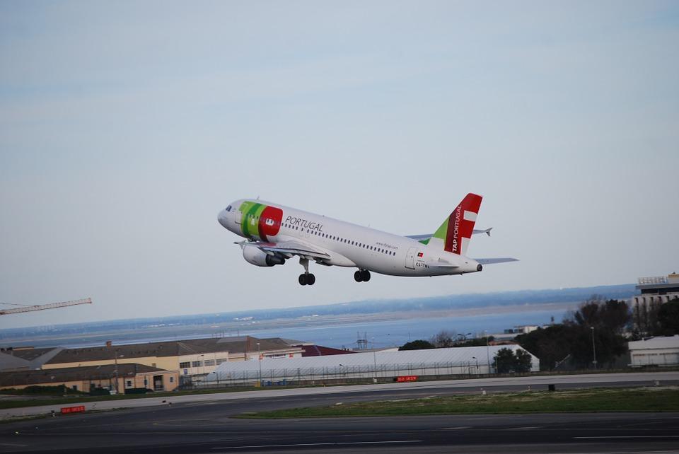 take-off-331400_960_720