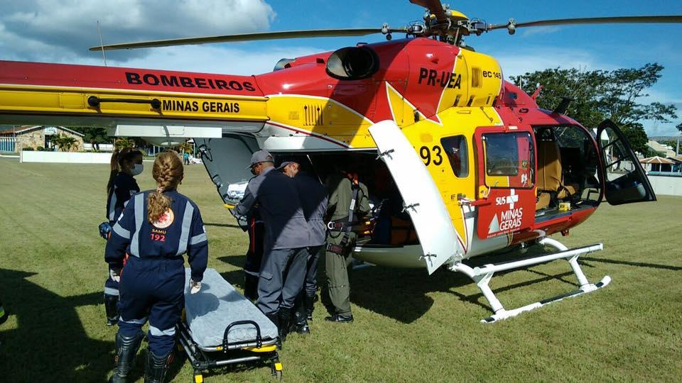 Equipe aeromédica do Arcanjo 04 transfere vítima de tragédia em creche de Belo Horizonte para Janaúba, MG