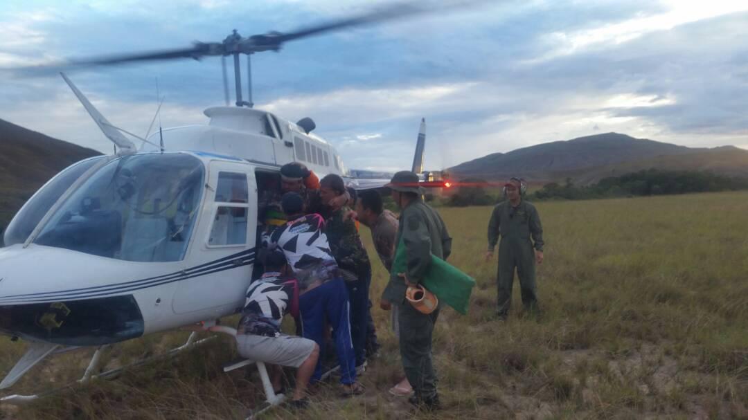 Corpo de Bombeiros de Roraima colabora na remoção aeromédica de deputado acidentado na Venezuela. Foto: Divulgação.