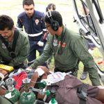 Equipe aeromédica do helicóptero Falcão 05 resgata criança perfurada no abdômen por vergalhão de ferro em Porto da Rua