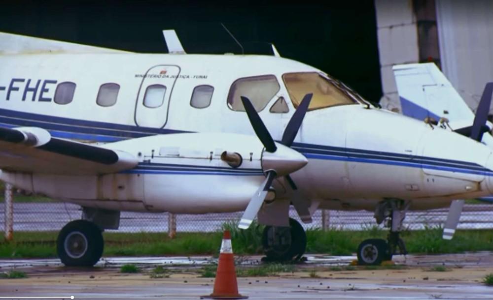 Aviões de órgão público estão parados há muitos anos do Aeroporto JK. Foto: Reprodução G1.