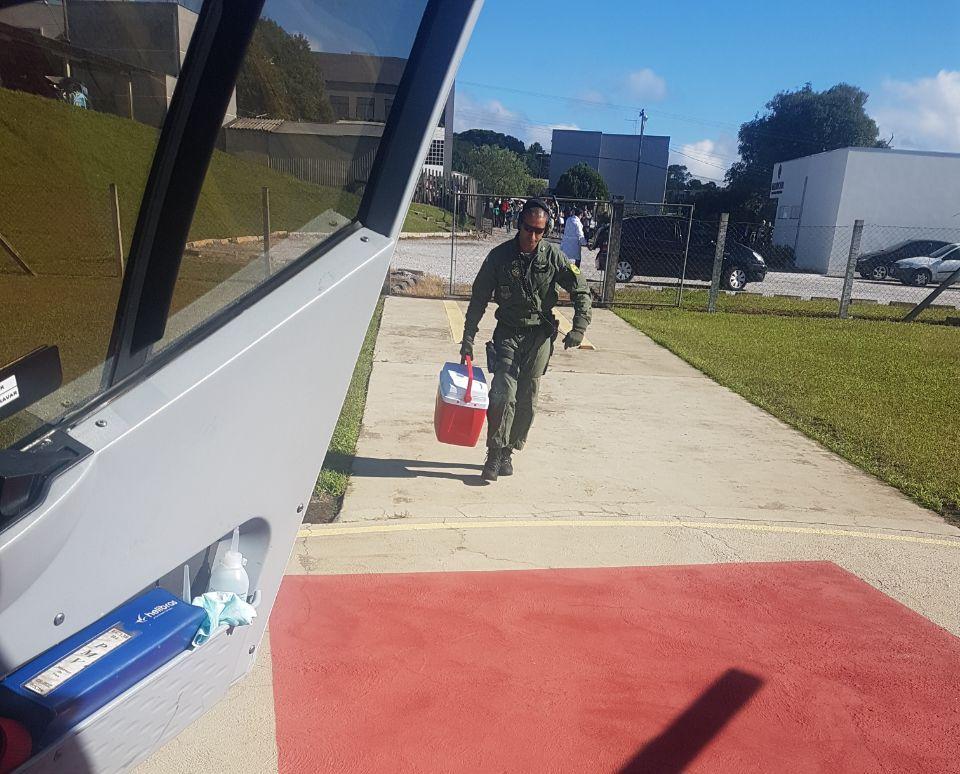 Batalhão de Operações Aéreas da PM do Paraná faz transporte de coração e fígado em apoio à Central de Transplantes