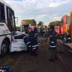 Duas pessoas morreram em acidente entre ônibus e carro na PR-317, segundo a PRE (Foto: Divulgação)