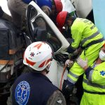 Falcão 04 da PM do Paraná é acionado para socorro de motorista preso em ferragem na BR-476