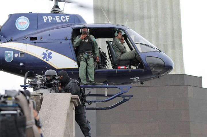 Helicóptero esquilo H350, matrícula PP-ECF (FÊNIX 08).