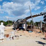 Técnicos trabalham no local do acidente onde um helicóptero militar caiu. Foto: ALFREDO ESTRELLA / AFP /