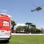 Helicóptero Falcão 04 da PM do Paraná transfere paciente para Ponta Grossa, onde será instalada nova base do BPMOA