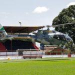 Helicóptero Falcão 04 da PM do Paraná transfere paciente para Ponta Grossa, onde será instalada nova base do BPMOA. Foto: Prefeitura de Ponta Grossa.