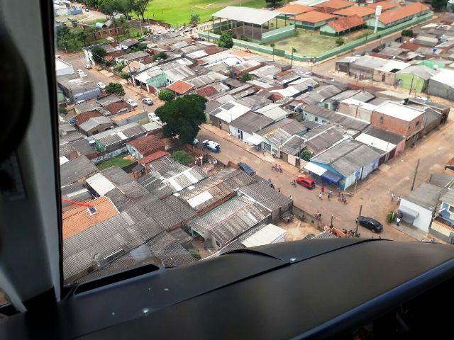 Grupo de Patrulhamento Aéreo da PM de Mato Grosso do Sul localiza veículo roubado e ajuda na prisão dos autores