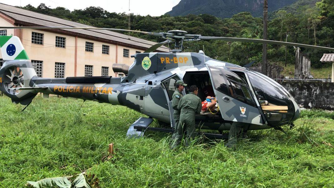 Falcão 04 da PM do Paraná resgata homem ferido em trilha na região do Pico do Marumbi, em Morretes