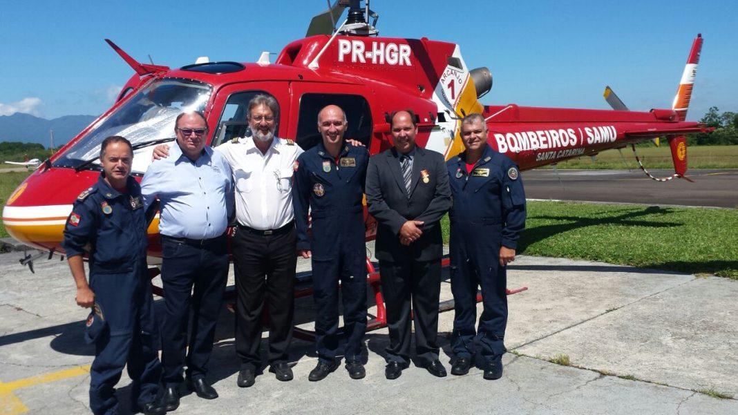 Os pioneiros. Comandantes Humberto Biezus e Camilo Guedes e o Mecânico Jadir dos Santos Cruz.